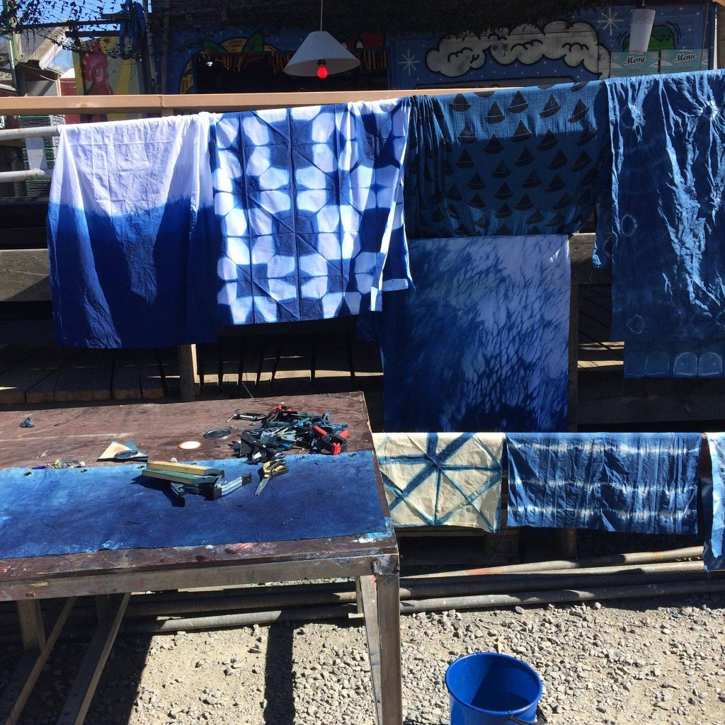Drying fabrics after indigp dyeing
